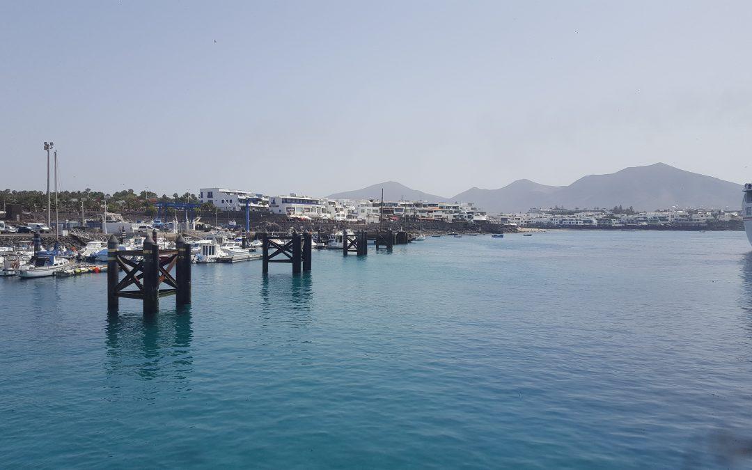 Puerto de Playa Blanca