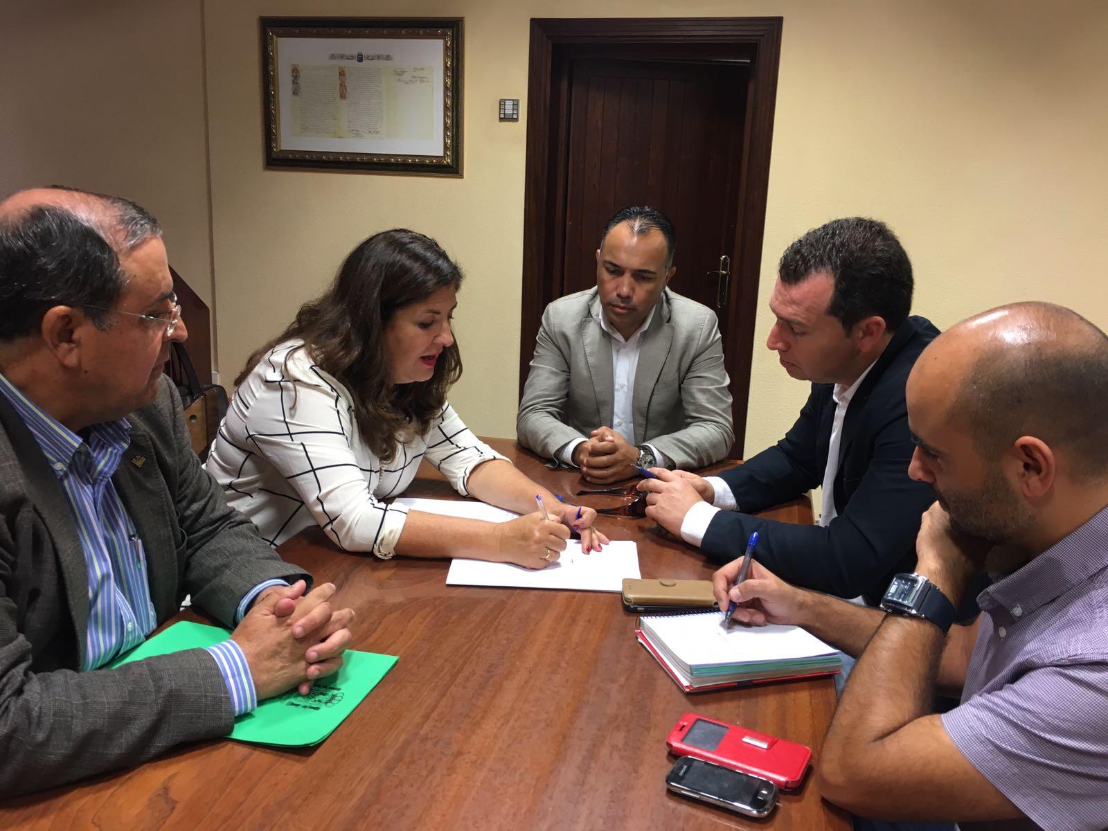 Puertos canarios finaliza en la gomera y el hierro la for Oficina virtual gobierno de canarias