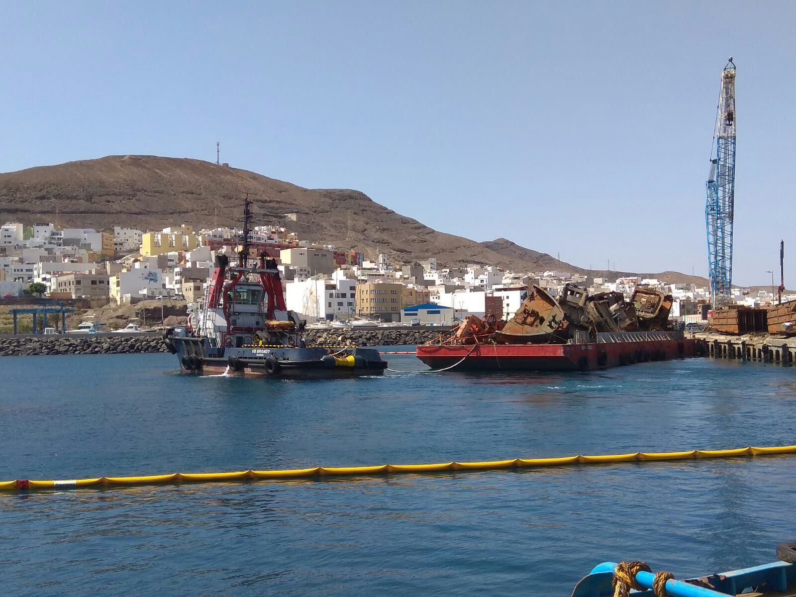 Puertos canarios ejecuta hoy el segundo traslado v a for Oficina virtual gobierno de canarias