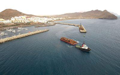 Puertos Canarios ejecuta hoy el cuarto traslado vía marítima de las pontonas del Puerto de Gran Tarajal y queda liberado el 90% del puerto